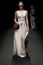 GRANDI Tokyo Fashion Week champagne gown Black iris lenses